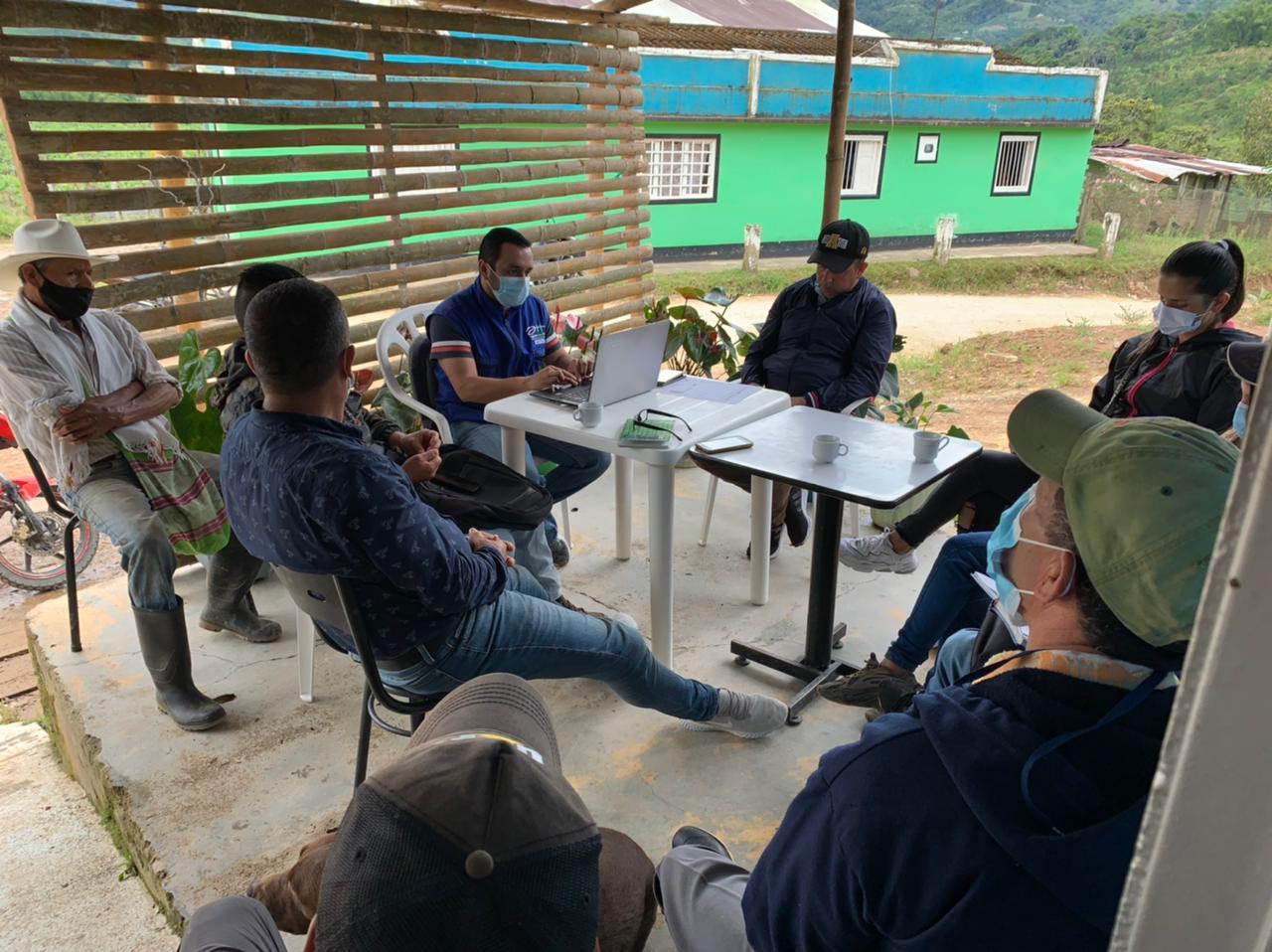 Acueducto rural en Suaza recibió asesoría del Gobierno Departamental